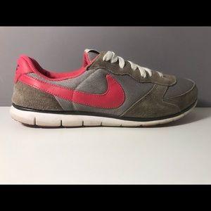 Women's Nike Shoes - Size 9